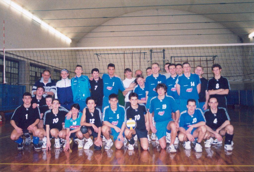Un derby di Prima Divisione tra squadre del Volley Club Trieste, inizi 2000
